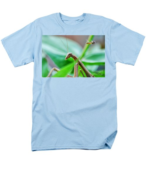 Men's T-Shirt  (Regular Fit) featuring the photograph I See You by Thomas Woolworth