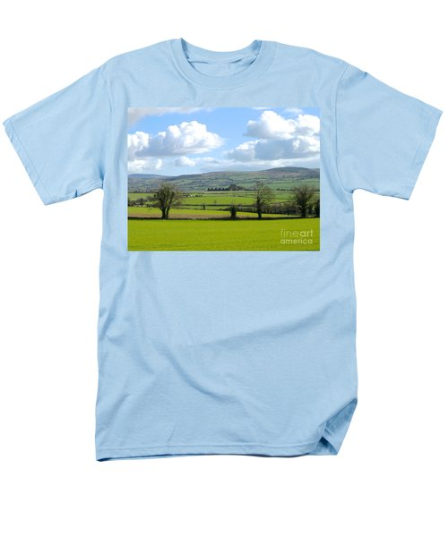 Men's T-Shirt  (Regular Fit) featuring the photograph Irish Spring by Suzanne Oesterling