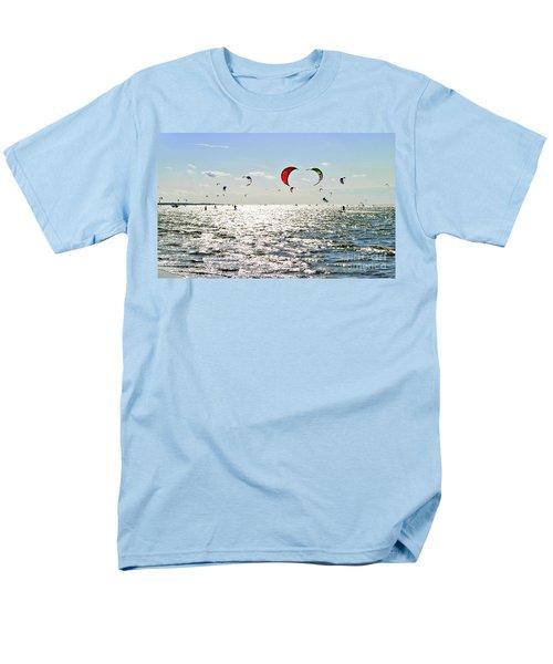 Kitesurfing In The Sun Men's T-Shirt  (Regular Fit)