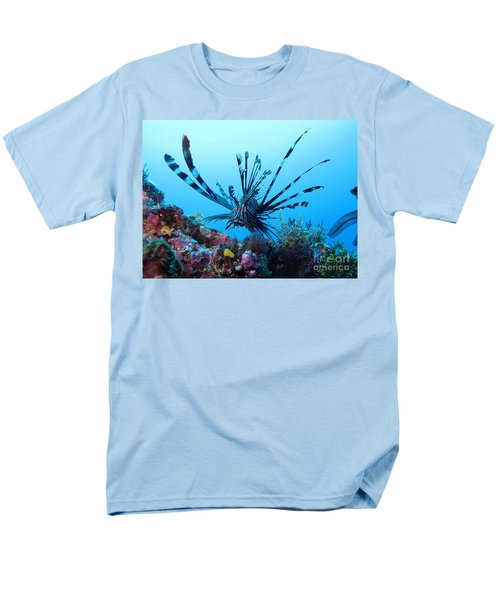 Leon Fish Men's T-Shirt  (Regular Fit) by Sergey Lukashin