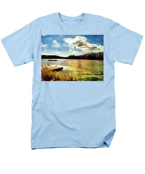 Mohegan Lake Gold Men's T-Shirt  (Regular Fit)