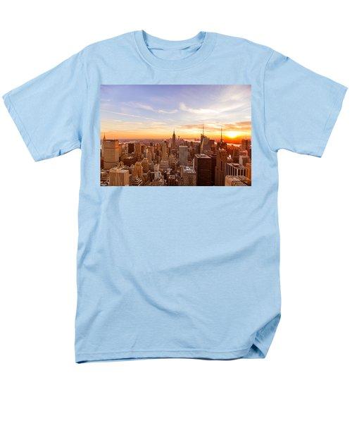 New York City - Sunset Skyline Men's T-Shirt  (Regular Fit)