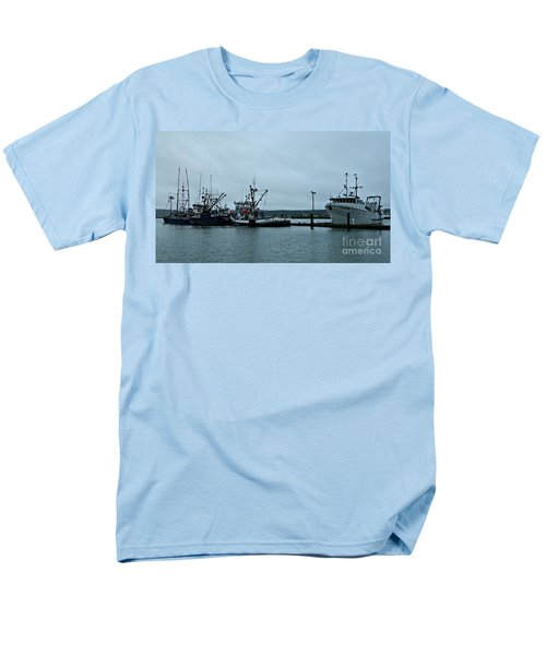 Newport Fishing Boats Men's T-Shirt  (Regular Fit) by Chalet Roome-Rigdon