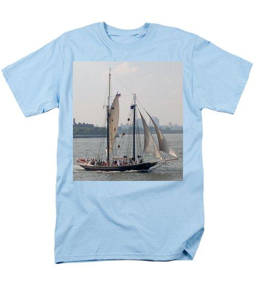 Ny Harbor Schooner Men's T-Shirt  (Regular Fit)