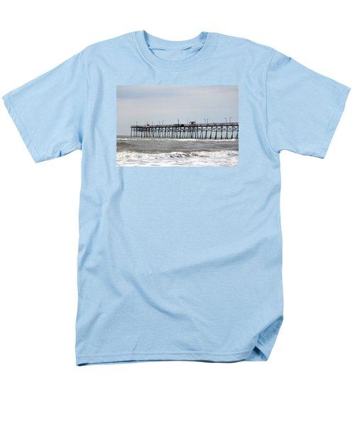 Oak Island Beach Pier Men's T-Shirt  (Regular Fit)