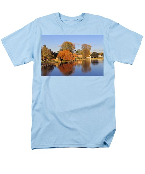 River Thames At Marlow Men's T-Shirt  (Regular Fit) by Tony Murtagh