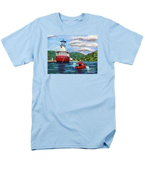 Out Kayaking Men's T-Shirt  (Regular Fit)