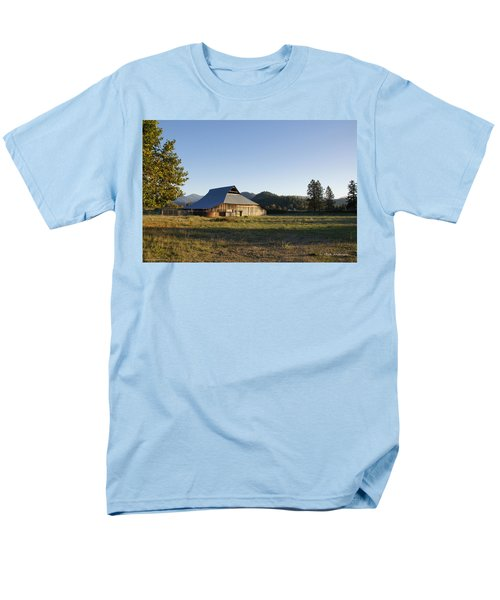Men's T-Shirt  (Regular Fit) featuring the photograph Barn In The Applegate by Mick Anderson