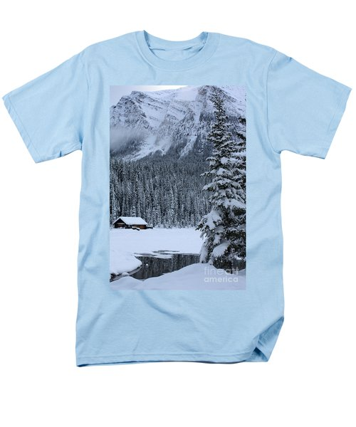 Men's T-Shirt  (Regular Fit) featuring the photograph Cabin In The Snow by Alyce Taylor