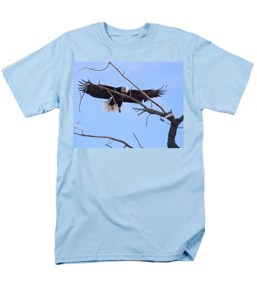 Men's T-Shirt  (Regular Fit) featuring the photograph Eyes On The Prize by Jim Garrison
