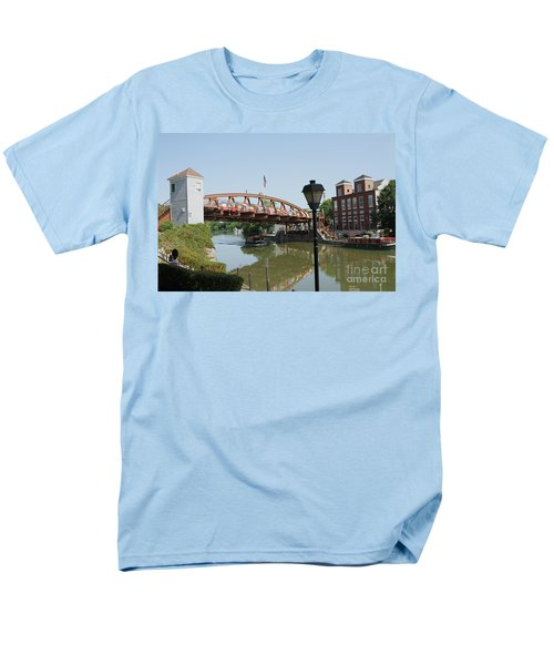 Men's T-Shirt  (Regular Fit) featuring the photograph Fairport Lift Bridge by William Norton