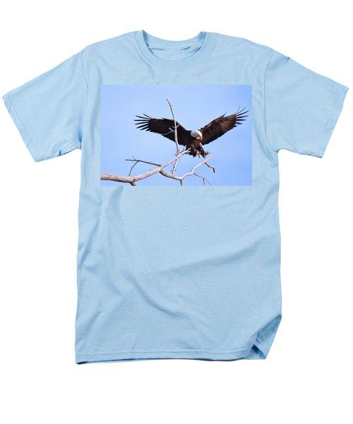 Men's T-Shirt  (Regular Fit) featuring the photograph Final Approach by Jim Garrison