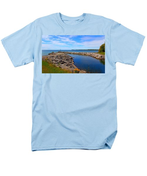Men's T-Shirt  (Regular Fit) featuring the photograph Lakeside Bend by Davandra Cribbie