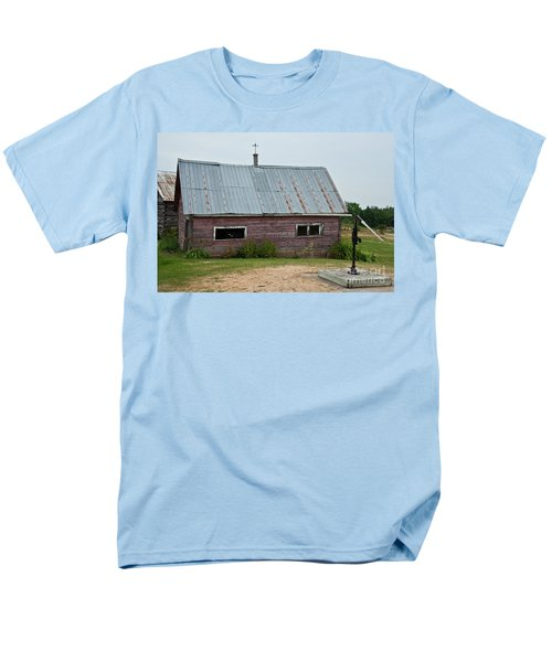 Men's T-Shirt  (Regular Fit) featuring the photograph Old Wood Shed  by Barbara McMahon