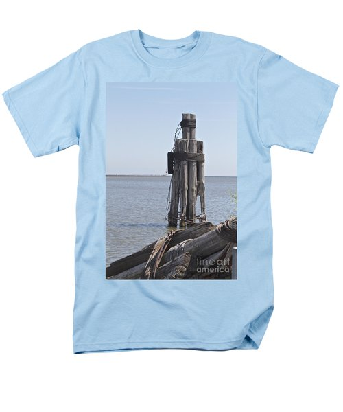 Men's T-Shirt  (Regular Fit) featuring the photograph Port Of Rochester by William Norton