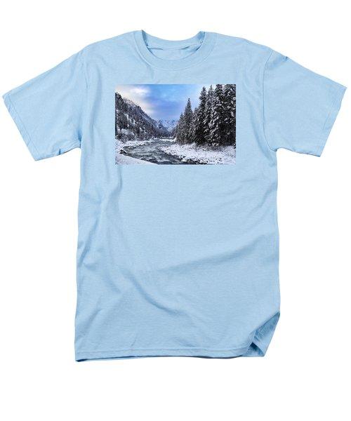 A Cold Winter Day  Men's T-Shirt  (Regular Fit) by Lynn Hopwood