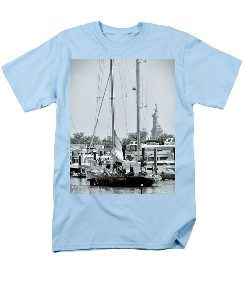 America II And The Statue Of Liberty Men's T-Shirt  (Regular Fit)