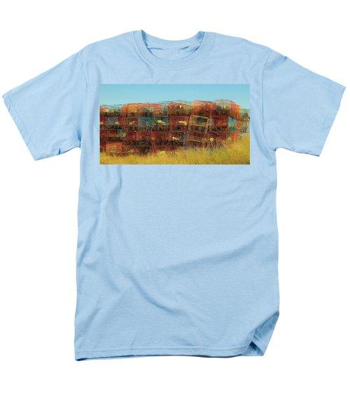 Chesapeake Bay Crabbing Men's T-Shirt  (Regular Fit)