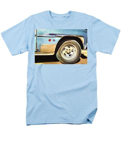 Chevy Deluxe Men's T-Shirt  (Regular Fit)