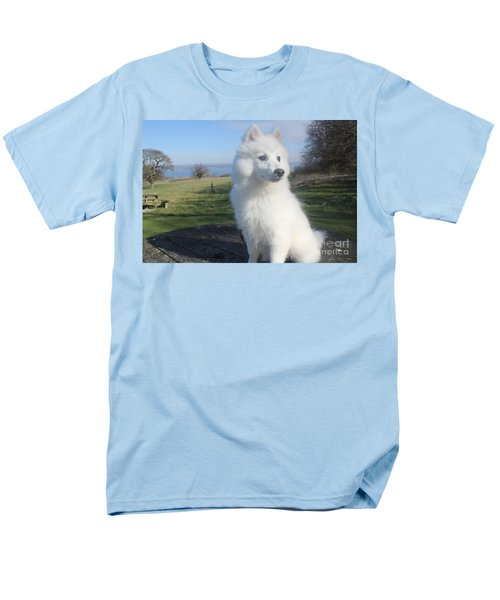 Men's T-Shirt  (Regular Fit) featuring the photograph Daisy by David Grant