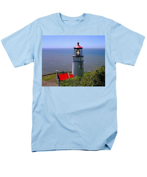 Men's T-Shirt  (Regular Fit) featuring the photograph Heceta Head Lighthouse by Wendy McKennon