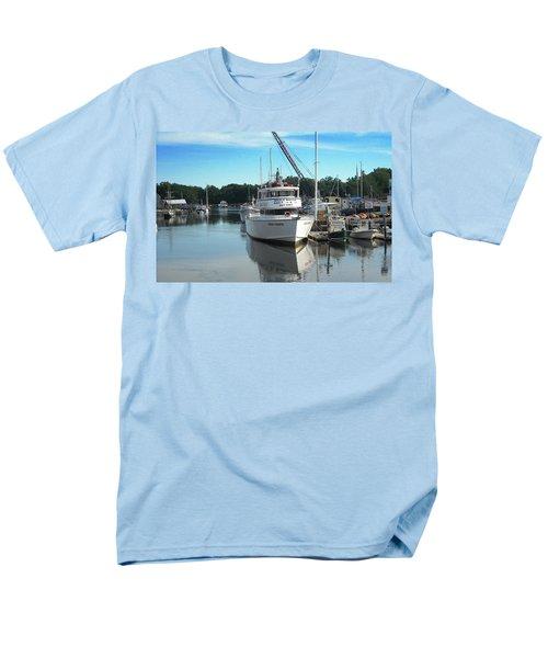 Kennubunk, Maine -1 Men's T-Shirt  (Regular Fit) by Jerry Battle