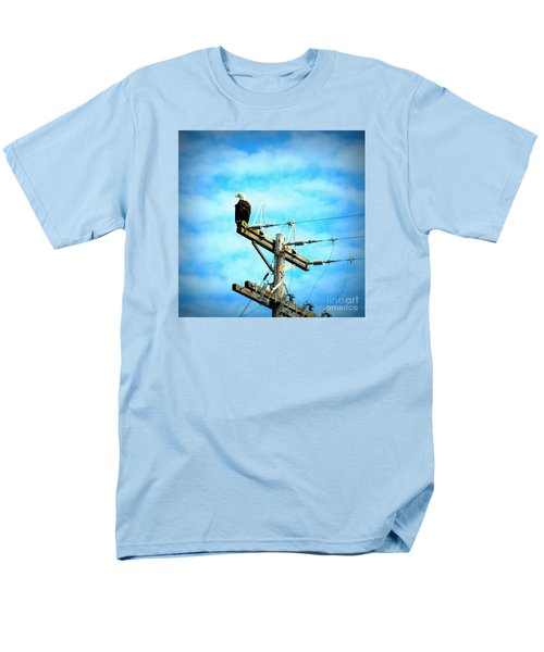 Men's T-Shirt  (Regular Fit) featuring the photograph On The Job by Tanya Searcy