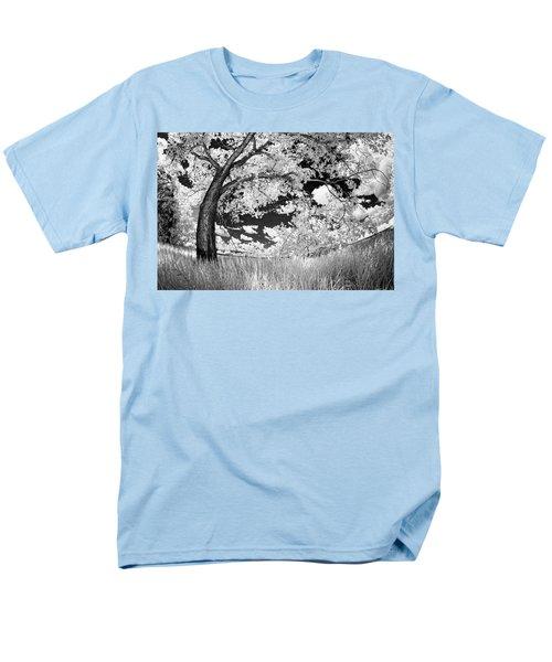 Men's T-Shirt  (Regular Fit) featuring the photograph Poplar On The Edge Of A Field by Dan Jurak