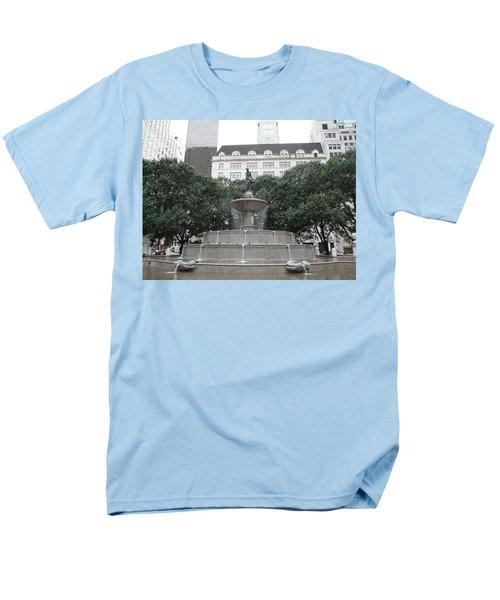 Pulitzer Fountain Men's T-Shirt  (Regular Fit)