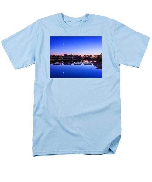 Men's T-Shirt  (Regular Fit) featuring the photograph Scioto Sunset Crossing by Alan Raasch
