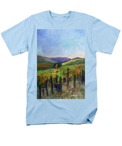 Scotts Vineyard Men's T-Shirt  (Regular Fit) by Donna Walsh