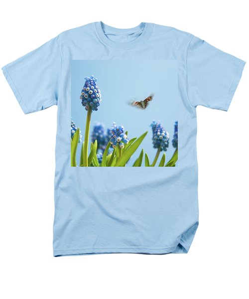 Something In The Air: Peacock Men's T-Shirt  (Regular Fit) by John Edwards