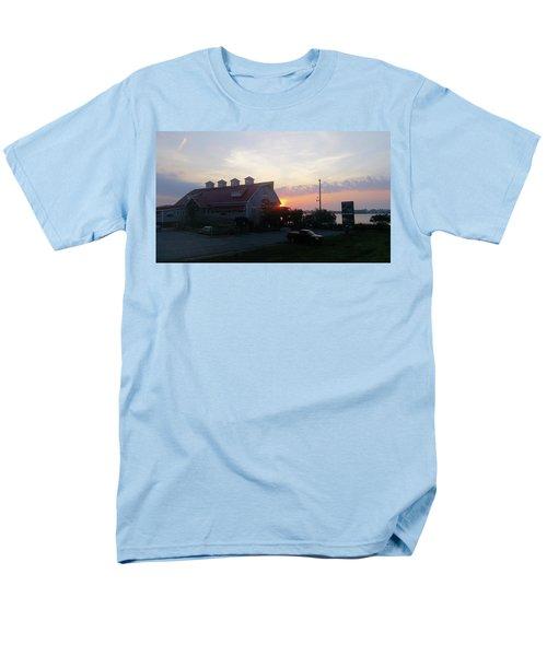 Sunrise At Hooper's Crab House Men's T-Shirt  (Regular Fit)