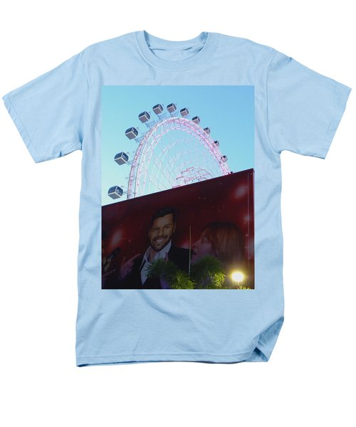Men's T-Shirt  (Regular Fit) featuring the photograph The Orlando Eye by Chris Mercer