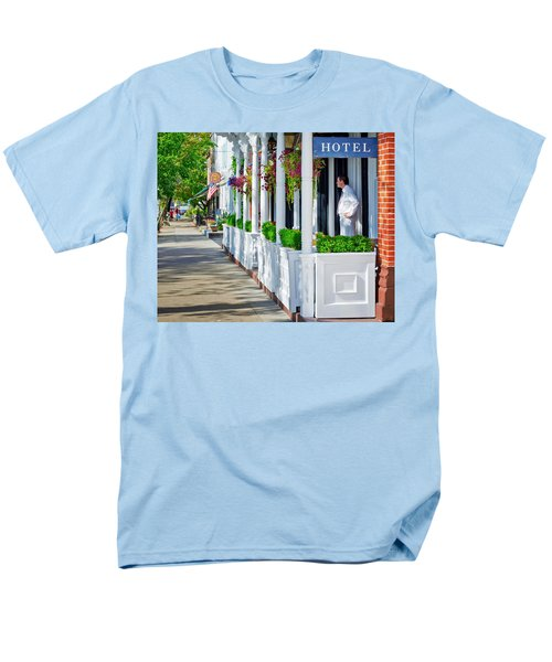 Men's T-Shirt  (Regular Fit) featuring the photograph The Waiter by Keith Armstrong