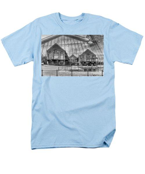 The Wharf Cardiff Bay Mono Men's T-Shirt  (Regular Fit)