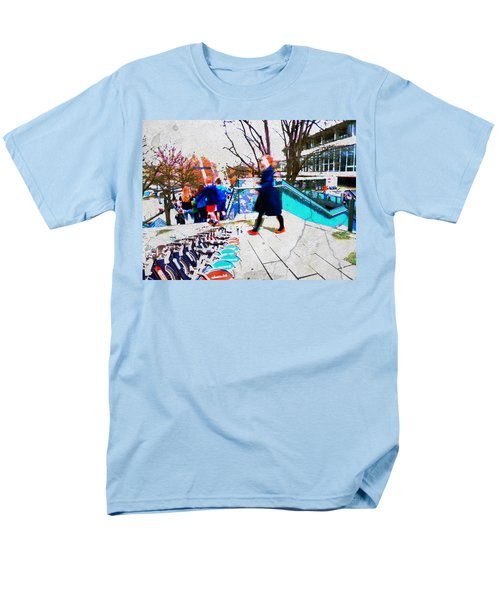 Waterloo Street Scene Men's T-Shirt  (Regular Fit) by Judi Saunders