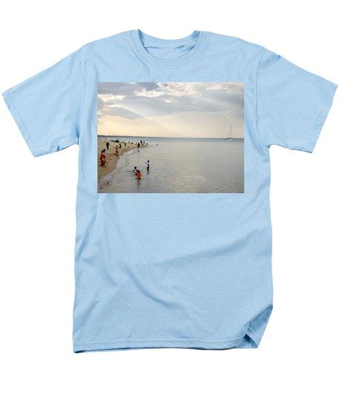 Wilmette Beach Labor Day 2009 Men's T-Shirt  (Regular Fit) by John Hansen