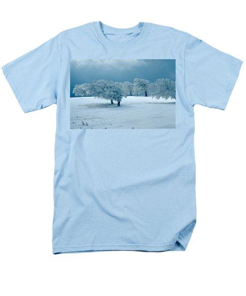 Winter Wonderland Men's T-Shirt  (Regular Fit) by Flavia Westerwelle