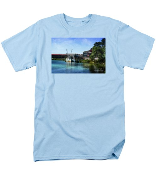 Winyah Bay Georgetown Sc Men's T-Shirt  (Regular Fit) by Kathy Baccari