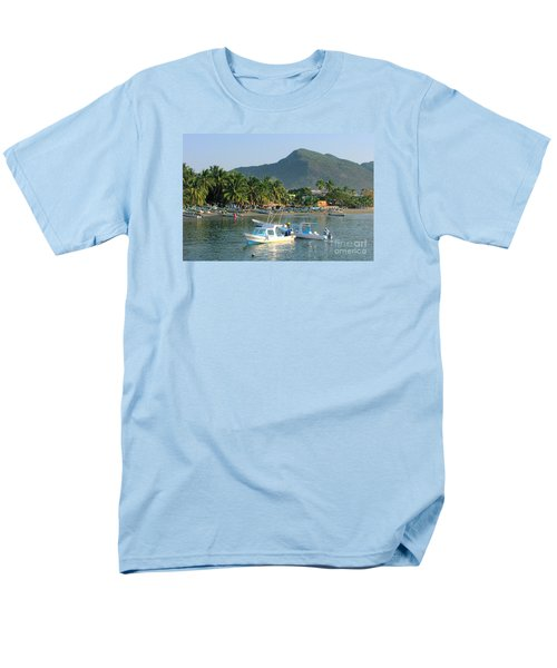 Zihwatanejo Beach Front Men's T-Shirt  (Regular Fit)