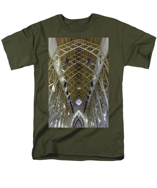 Trussed Arches Of Uf Chapel Men's T-Shirt  (Regular Fit) by Lynn Palmer