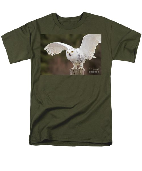 Snowy Owl Men's T-Shirt  (Regular Fit) by Les Palenik