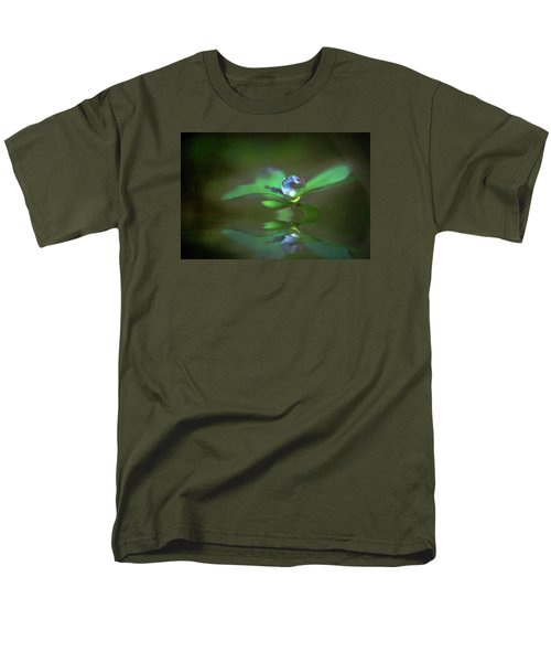 A Dream Of Green Men's T-Shirt  (Regular Fit)