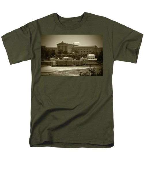 Art Museum And Fairmount Waterworks - Bw Men's T-Shirt  (Regular Fit) by Lou Ford