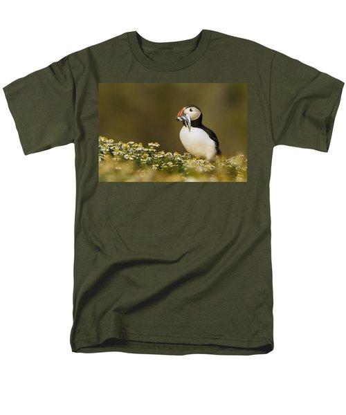 Atlantic Puffin Carrying Fish Skomer Men's T-Shirt  (Regular Fit) by Sebastian Kennerknecht