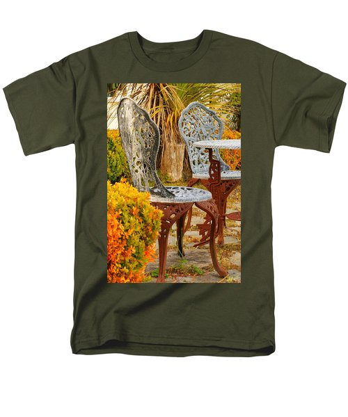 Bistro Table-color Men's T-Shirt  (Regular Fit) by Loni Collins