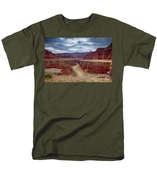 Men's T-Shirt  (Regular Fit) featuring the photograph Canyonlands by Juergen Klust