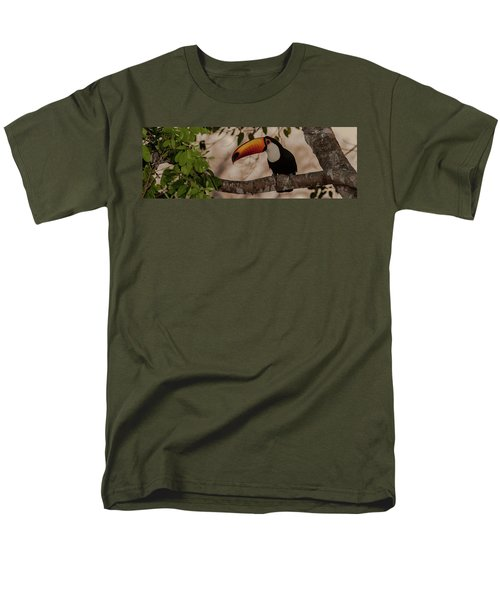 Close-up Of Tocu Toucan Ramphastos Toco Men's T-Shirt  (Regular Fit) by Panoramic Images