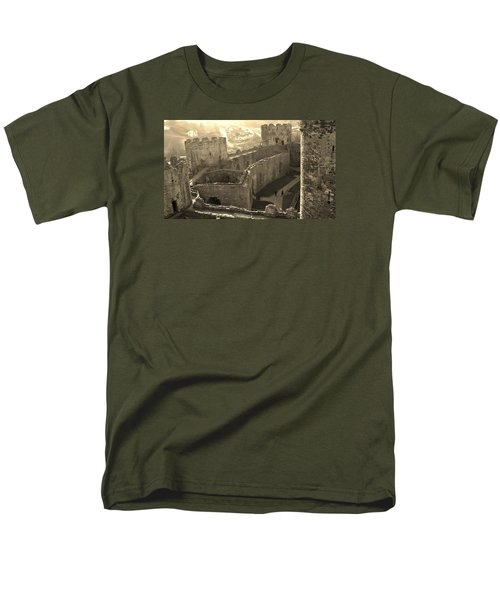 Conwy Castle Men's T-Shirt  (Regular Fit) by Richard Brookes